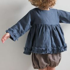 Girl's long-sleeved top and shorts from La Princesse au petit pois
