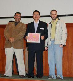 (Izquierda) Juan José Miranda del Solar Director de proyectos en @magiadigital y (Centro) Henry Tong de Hummitech