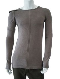 Designer: Rick Owens    Item: Roundnecked pullover with double sleeve    Composition: 100% Merinos Wool    Made in Italy      Description:    Roundnecked sweater double shirt sleeves.         Crewnecked longsleeved pullover in ecofriendly wool with particular double short sleeve on the right side.