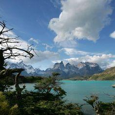 Lago Pehoe y Torres del Paine - Región de Magallanes / Chile
