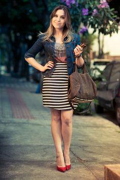 As Listras são sempre sinônimo de looks modernos e despojados, não é verdade?! Clássicas, elas não saem de moda, e podem montar looks lindos para você aproveitar o verão cheia de estilo! Peças listradas ficam ótimas combinadas com preto, branco, azul marinho, vermelho, jeans e até mesmo outras peças estampadas… Para as mulheres acima do …