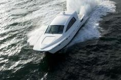 iSpeed  52-foot boat, 800-horsepower, six-cylinder diesel engines and hydrofoil technology
