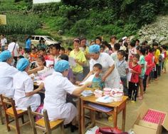 The kids obediently lined up to be examined by the dental group from Nanning's Guangxi Zhuang Autonomous Hospital.