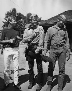 Lloyd Bridges with his sons, Beau and Jeff (Lloyd in the middle, Beau on left and Jeff on right)