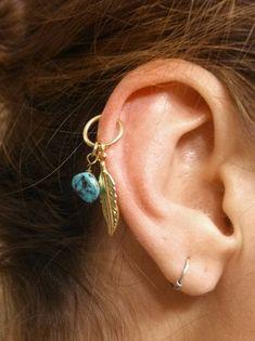 Piercing oreille sur l'hélix dans Top 13 des piercings à l'oreille les plus beaux