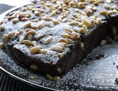 τάρτα με χαρουπάλευρο και κουκουνάρια Healthy Sweets, Healthy Cooking, Vegan Vegetarian, Vegetarian Recipes, My Dessert, Sweet Recipes, Diet, Cookies, Cake