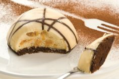 Chateau Gâteaux - Customised desserts, developed to meet specific requirements of our customers at home and the Foodservice Chains. Sweet Recipes, Cake Recipes, Food Service, Desert Recipes, Picasso, I Foods, Fudge, Delicious Desserts, Sweet Tooth