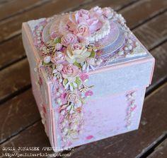 Blog sklepu Artimeno: Gościnna projektantka - Gosia Jonaszek Magic Box, Boite Explosive, Exploding Gift Box, Scrapbook Box, Scrapbooking, Memories Box, Diy And Crafts, Paper Crafts, Pop Up Box Cards