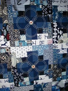 Detail Japanese Quilt with Sashiko Sashiko Embroidery, Japanese Embroidery, Embroidery Patterns, Quilt Patterns, Embroidery Thread, Machine Embroidery, Japanese Textiles, Japanese Fabric, Japanese Patterns