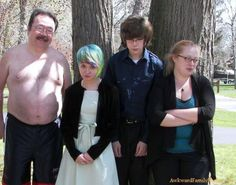 Curiosities: Awkward Family Photos