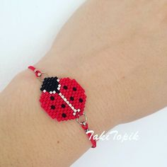 off loom beading stitches Bead Loom Bracelets, Beaded Bracelet Patterns, Friendship Bracelet Patterns, Jewelry Patterns, Beaded Jewelry, Seed Bead Patterns, Beading Patterns, Beading Ideas, Beads And Wire