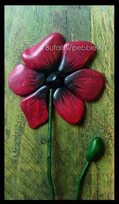 Flower: Pebble Art - Michela Bufalini-This is awesome. Pebble Painting, Pebble Art, Stone Painting, Rock Painting, Stone Crafts, Rock Crafts, Arts And Crafts, Pebble Stone, Stone Art