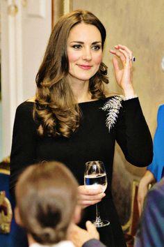 Kate Middleton Outfits, Kate Middleton Stil, Estilo Kate Middleton, Kate Middleton Photos, Princesa Kate, Prince William And Kate, William Kate, Reine Victoria, Kate And Meghan