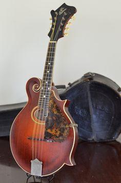 1917 Gibson F2 (Mandolin Cafe)