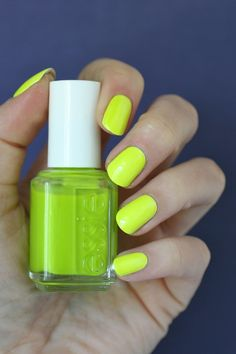 Essie Neons 2016 - Off the Wall Collection : Swatches, Review & Comparisons   Essie Envy