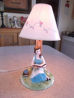 VINTAGE**RARE** BELLE BEAUTY AND THE BEAST PORCELAIN HAND PAINTED DISNEY LAMP