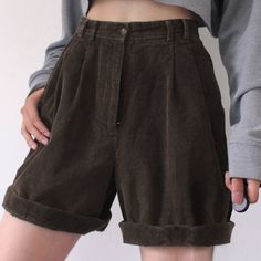 Corduroy Shorts, Looks Style, Retro Outfits, Mode Style, Look Cool, Aesthetic Clothes, Smoking, Ideias Fashion, Summer Outfits