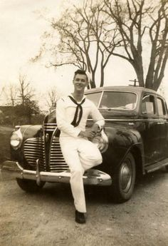 The sailor's new car, early '40s