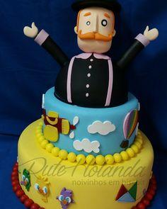Bolo Cenográfico  Mundo de Bita Bolo Fake, Love Cake, Biscuits, Birthday Cake, Gabriel, Desserts, Girl Birthday Cakes, Cake Pictures, Cake Pops