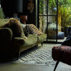 Earthy Living Room, Art Deco Living Room, Dark Living Rooms, Eclectic Living Room, Boho Living Room, Living Room Designs, Rock N Roll Living Room, Dark Rooms, Bohemian Living