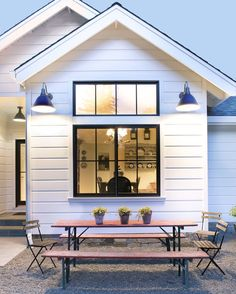 50 Stunning Farmhouse Exterior Design Ideas, When you consider a farmhouse, your very first thought is the most likely that of a home with a sprawling front porch. A very simple farmhouse informs. Farmhouse Windows, Modern Farmhouse Exterior, Farmhouse Style, White Farmhouse, American Farmhouse, Farmhouse Landscaping, Urban Farmhouse, Farmhouse Ideas, Farmhouse Decor