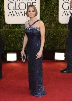 Jodie Foster, the recipient of the night's Cecil B. DeMille Award, looked hot! The 50-year-old actress rocked a dazzling dress from Giorgio Armani and a stylish bob as she gave a speech that alternated between a rant against the public's obsession with the private lives of celebs to a beautiful dedication to her mother.