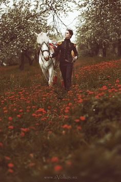 Racing Future's Horses, Art & Fashion Photo of the Day! Fantasy Photography, Horse Photography, Story Inspiration, Character Inspiration, She Wolf, Foto Art, Dieselpunk, Poses, Dark Fantasy