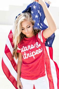 jessakae 4th of july. 4th of july outfit. picture with the flag. american flag.