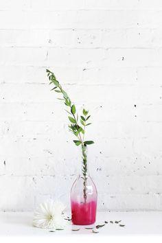 DIY Ombre Bottle Vase Tutorial  #DIY #craft #home