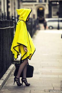 la caperucita amarilla se pasea por estas calles  raincoat