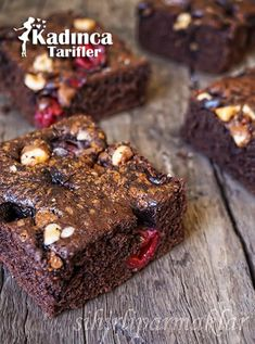 Cherry Bomb Cake Recipe, How To … – Womanly Recipes - Nachtisch Boxed Brownie Recipes, Easy Cake Recipes, Sweet Recipes, How To Make Brownies, Best Brownies, Caramel Brownies, Bomb Cake, Mousse Au Chocolat Torte, Pasta Cake