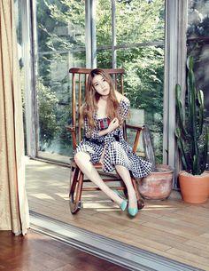 IU <3 (Elle Korea November 2013)