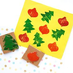 DIY Christmas Stamps For moms and Kids. Credits: momsandcrafters.com