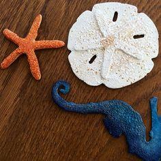 Mr. Seahorse finally has some friends! #tim_holtz #sizzix #distressglitter #sealife