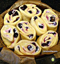 BLUEBERRY CREAM CHEESE SWIRLY BREAD .... oh my! Serious soft, sticky, creamy yummy! Happy baking! #bread #blueberry #creamcheese