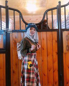 Casual Hijab Outfit, Hijab Chic, Niqab, Korean Best Friends, Cartoon Profile Pictures, Me As A Girlfriend, Fashion 2020, Hijab Fashion, My Boys