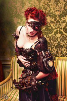 Photographer: Tenhaku Photographie Model : Lady Redstone Accesories/arms : Atelier des flammes noires
