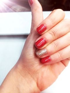 Christmas & New Year Nails. Sparkling red and gold. Mesauda Milano #mesauda #nails #christmasnails