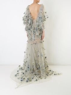 You'll find a great selection of women's designer evening dresses at Farfetch. Search from over 2000 designers for your perfect designer evening dress Designer Evening Dresses, Designer Gowns, Formal Bridesmaids Dresses, Prom Dresses, Mom Dress, Lace Dress, Elegant Dresses, Pretty Dresses, Bridal Gowns