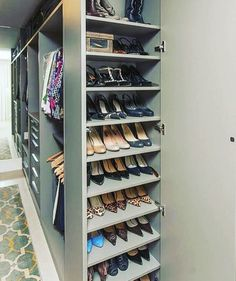 Unique closet design ideas will definitely help you utilize your closet space appropriately. An ideal closet design is probably the […] Wardrobe Design Bedroom, Master Bedroom Closet, Bedroom Wardrobe, Wardrobe Closet, Diy Bedroom, Trendy Bedroom, Bedroom Ideas, Master Suite, Master Bedroom Plans