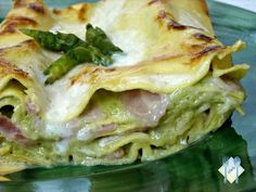 LASAGNE ALLA CREMA DI ASPARAGI Pasta Soup, Pasta Dishes, Italian Main Courses, Pasta Company, Pasta Recipes, Cooking Recipes, Bon Ap, Cannelloni, Eat Better
