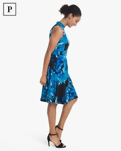 1e9b5f20961 Women s Petite Sleeveless Mock Neck Floral Fit-and-Flare Dress by White  House Black