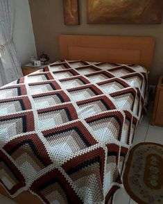 Best 12 Pyramid Crochet Afghan Pattern Free – Her Crochet Crochet Bedspread Pattern, Crochet Square Patterns, Crochet Squares, Crochet Blanket Patterns, Granny Squares, Crochet Afghans, Lidia Crochet Tricot, Manta Crochet, Crochet Instructions