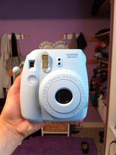 I really want a polaroid camera!!!!!!