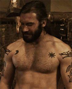 (gif) - Shirtless Rollo. Sacrifice - 1x08.