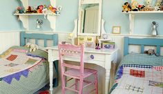 30 Sophisticated and Cozy Shared Kids Room Design Ideas : Sophisticated and Cozy Shared Kids Room Design Ideas – charming country style shread kids room Small Shared Bedroom, Cozy Small Bedrooms, Small Bedroom Designs, Shared Bedrooms, Small Room Bedroom, Kids Bedroom, Bedroom Decor, Bedroom Ideas, Kids Rooms