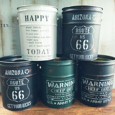 Paper Chandelier, Galvanized Decor, Barrel Projects, Tin Can Crafts, Tin Art, Cafe Interior Design, Christmas Crafts For Gifts, Rustic Gardens, Vintage Box