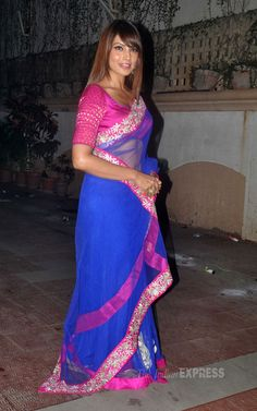 Bipasha Basu at her Diwali party in a blue and pink saree by Rocky S (IE Photo: Varinder Chawla)