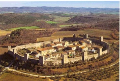 Have you been to the Medieval town of Monteriggioni? It's a charming little town in Tuscany.