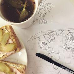 Drugie śniadanie i pierwsze koncepty do infografiki dla biura podróży ;) I tylko czas jakoś mi tak przez palce przelatuje #infographic #graphicdesigner #projektowanie #grafika #doodles #infografika #rysunek #drawing #map #travel #travelgram #teatime #herbata #designer #webdesigner #illustration #sketchbook #sketch #homeoffice #worktime #creative #desk #kreatywnie #breakfast